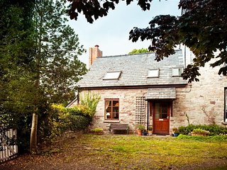 Comfortable Cottage with Washing Machine and Television - Talgarth vacation rentals