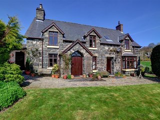 Romantic 1 bedroom Llandderfel Cottage with Internet Access - Llandderfel vacation rentals