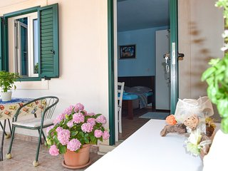Nice Studio with Internet Access and Television - Bol vacation rentals