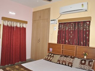 Nice Condo with Internet Access and A/C - Chennai (Madras) vacation rentals