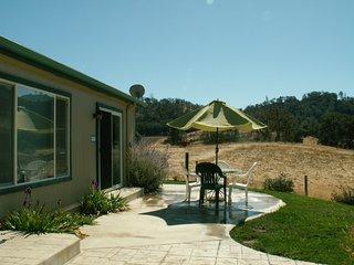 Close to SLO, Cal Poly, Beaches, Free Wine Tasting - Santa Margarita vacation rentals