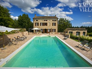 Nice Villa with DVD Player and Microwave - Cessapalombo vacation rentals