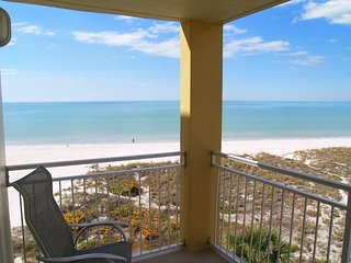 Bright House with Internet Access and Shared Outdoor Pool - Madeira Beach vacation rentals