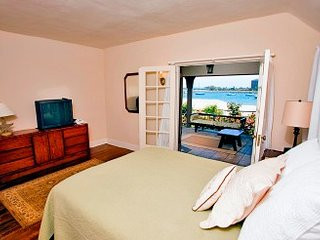 2 Bedrooms, 2 Bathrooms, South Mission Beach - Mission Viejo vacation rentals