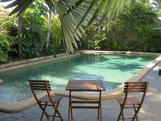 Resort Style Accommodation 1&2, 3min walk to beach - Holloways Beach vacation rentals