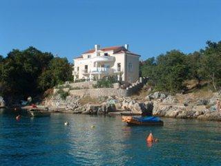 Cozy 2 bedroom House in Vantacici - Vantacici vacation rentals