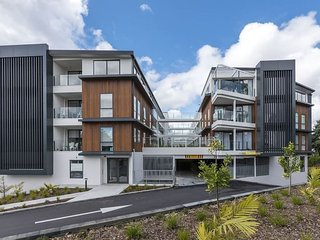 Beautiful Apartment close to City and Airport - Mount Wellington vacation rentals