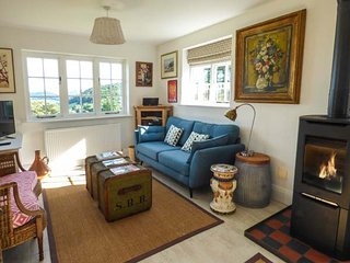 BRONWEN LODGE en-suite, woodburner, stunning views, WiFi, Conwy, Ref 938836 - Conwy vacation rentals