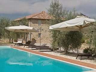 9 bedroom Villa in Castelnuovo Berardenga, Tuscany, Italy : ref 2266107 - San Gusme vacation rentals