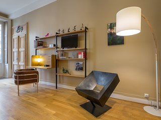 Romantic 1 bedroom Lyon Apartment with Internet Access - Lyon vacation rentals