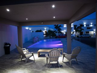 Modern 2 bedroom apartment with pool - Willemstad vacation rentals