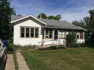 Artist or writer's retreat in SW Saskatchewan - Eastend vacation rentals