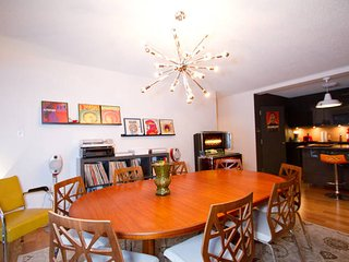 Large and very quiet Apartment Downtown Montreal - Montreal vacation rentals