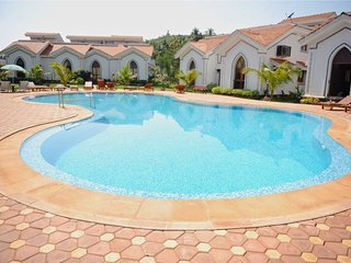 2 Bedroom Apartment in prime location! - Arpora vacation rentals
