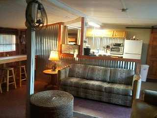Allen St Bunkhouse - Tombstone vacation rentals