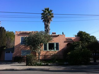 Charming vintage Mediterranean home, safe & green - Fairfax vacation rentals
