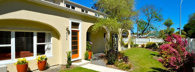 Eight Arches (3 bedroom) + Hideaway (2 bedroom) - Central Nelson Holiday Home! - Nelson vacation rentals