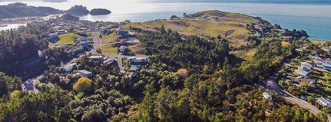 Kaiteri Escape - Kaiteriteri Bush Setting with Sea Views! - Kaiteriteri vacation rentals