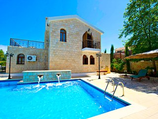 Amazing Luxury Villa - Huge 14x7m Pool - Sea Views - Argaka vacation rentals
