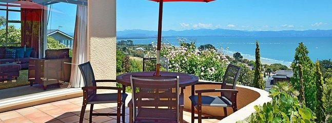 Casa Kia Ora Holiday Home - Nelson Tahunanui Beach & Sea Views! - Moana vacation rentals
