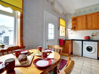 Comfortable Cottage with Washing Machine and Television - Abergynolwyn vacation rentals