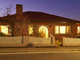 Claymoore - ideal for a group of up to 12 - Launceston vacation rentals
