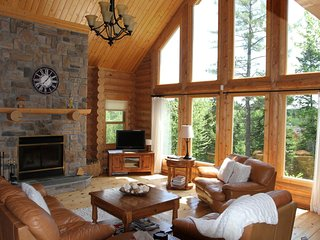 ChaletsOasis DEER CREEK luxury log home - Saint Sauveur des Monts vacation rentals