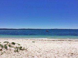 'Evan's Retreat' 5 Sandy Point Road - Corlette vacation rentals