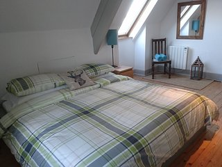 Country cottage bedroom in Acton with sea views - Langton Matravers vacation rentals