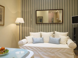 1-bedroom Invalides - Quality, Style and Location - Paris vacation rentals