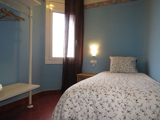 SINGLE ROOM + PRIVATE BATHROOM - Barcelona vacation rentals