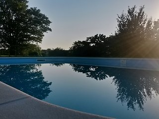 Idyllic Country Cottage and Stunning Heated Pool - Saint Jean d'Angely vacation rentals