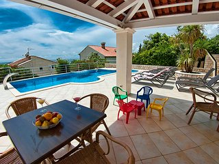 Luxurious Seaview Villa with Pool, Plat **** - Plat vacation rentals