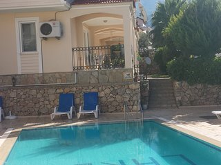 LUXURY 2 BEDROOM APART OVERLOOKS SWIMMING POLL - Oludeniz vacation rentals