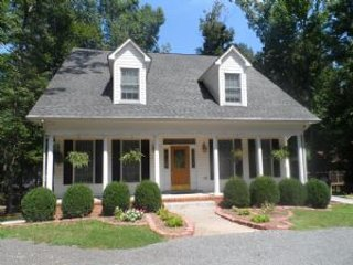 Nice 4 bedroom House in Bumpass with Deck - Bumpass vacation rentals