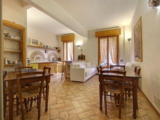 Ponte Vecchio apartment - Florence vacation rentals