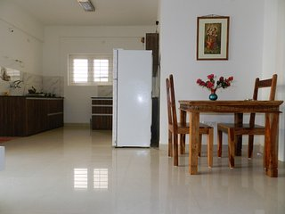 Spacious and Classy 1 BHK AC Apartment - Bangalore vacation rentals