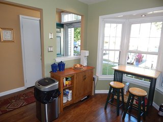 Furnished 3-Bedroom Townhouse at Springfield Oaks Dr & Northern Oaks Ct Springfield - Springfield vacation rentals