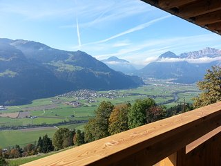 Nice Condo with Deck and Internet Access - Hart im Zillertal vacation rentals
