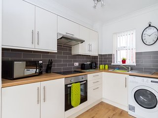 Superb Flat In Vibrant Canton Cardiff Sleeps 4 - Cardiff vacation rentals