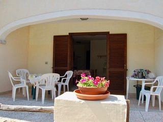 Nice Condo with Television and Satellite Or Cable TV - Vaccileddi vacation rentals