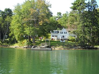 SOUTHPORT waterfront historic farmhouse w dock - Boothbay Harbor vacation rentals