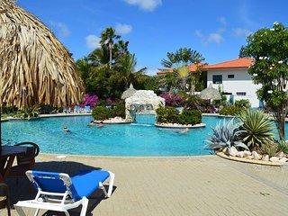 Nice Studio for 4 , with amazing pool ! - Santa Catharina vacation rentals