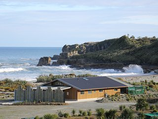 Beachside Takutai house Punakaiki - Punakaiki vacation rentals