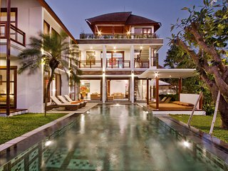 LUXURY 4 BD MODERN VILLA, CANGGU BEACH - Canggu vacation rentals