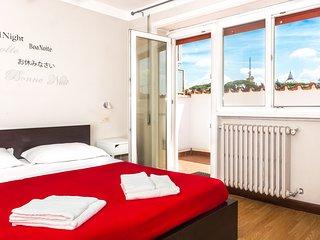 Attico 2 camere da letto e terrazza vista Cupola - Rome vacation rentals