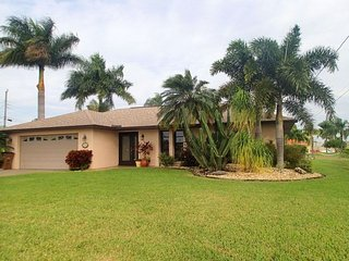 Maria - SW Cape Coral 3b/2ba Electric Heated Pool, Gulf Access Canal, HSW - Cape Coral vacation rentals