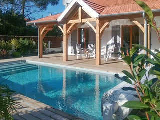 Bright, 3-bedroom house with a private pool – 1km from the beach! - Soulac-sur-Mer vacation rentals