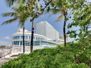 Oceanfront studio w/ views, beach access, a shared pool & resort amenities! - Miami Beach vacation rentals