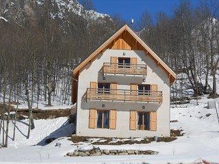 Charme près 2 Alpes dans chalet 4 étoiles, 4 pers - Saint-Christophe-en-Oisans vacation rentals
